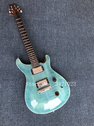 Guitarra elétrica azul chama on-line-A guitarra elétrica com corpo azul, folheado do bordo da flama, hardware de prata, pode ser personalizada