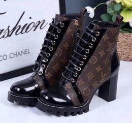Botas para arriba online-Zapatos de lujo calientes Nuevo Cuero Genuino Punta Redonda Botas de Mujer Gladiador Encaje Hasta Zapatos de tacón grueso Botines Mujeres 35-40 Botas de tacón alto