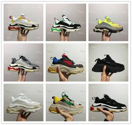 91b8afeb86473 2018 FW Retro Old Triple S Sneaker Mens Fashion Vintage Kanye West Old  Grandpa Trainers Green Sliver White Black Yellow Casual Shoes 35-44