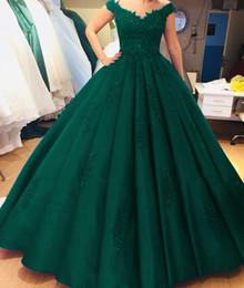Vestidos de bola verde on-line-Vestidos De Baile Do Vintage verde escuro Vestido de Baile Longo Até O Chão Ruched Rendas Apliques Com Decote Em V Tampado Formal Ocasião Especial Vestidos Personalizados