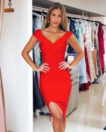 Vestido de noche chicas hot sexy online-Vestidos de coctel rojos calientes Funda Spandex Cuello en V Noche sexy vestido de fiesta para niñas Vestido de noche simple con abertura en la pierna