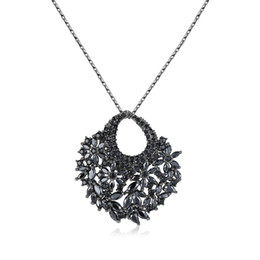 Wholesale Fans Manufacturers - Europe and the United States fashion necklace fan AAA zircon female models dinner accessories manufacturers gift jewelry