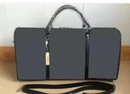 Canada 55CM grande capacité femmes sacs de voyage célèbre designer classique 2018 vente de haute qualité hommes épaule sacs polochons portent sur bagage keepall Offre