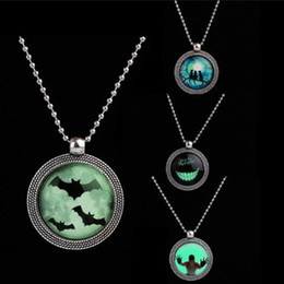 glow dark animals Coupons - Punk Steampunk Noctilucence Bat Necklace Cat Simle Necklace Glow in the Dark Long Pendant Necklaces For Halloween Gift