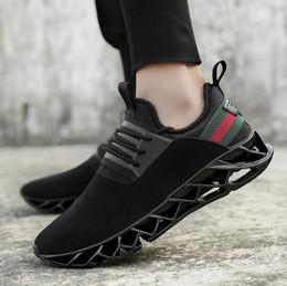 обувь больших размеров продажа Скидка 2019 горячая распродажа мужская лезвие дизайнер кроссовки большой размер мода тенденция повседневная обувь мужчины износостойкие нескользящей спортивной обуви 7-13