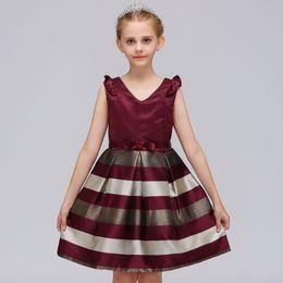 12-месячные девушки фиолетового платья Скидка Дети девушки одежда новорожденных девочек полосатый платье для девочек формальные свадебные платья партии дети принцесса Рождество платье костюм 3 цвета