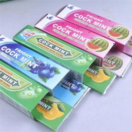 Wholesale chewed gum - Funny Cockroach Chewing Gum Pranks Toy New Amazing Magic Gums Toys Halloween Children Gifts 0 35cs C