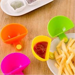 2019 mojando platos Dip Clips Kitchen Bowl Kit Tool Pequeños Platos Clip de Especias Para Salsa de Tomate Vinagre de Sal Especias de Sabor de Azúcar Herramienta de Cocina rebajas mojando platos