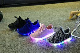 2018 весна осень Детская легкая обувь спортивная обувь мальчики девочки светодиодные светящиеся обувь дети кроссовки дышащие кроссовки XXP45 от