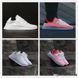 timeless design e748a f977e yeezy shoes women Desconto 2018 VENDA New DEERUPT RUNNER 2019s mans  mulheres running shoes sneakers Sports
