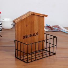 Canada Fer rétro vintage étagère en bois avec des caractéristiques de bois rack de stockage, décorations murales salon / balcon Offre
