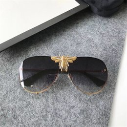 Wholesale Pc Men - Luxury 2238 Sunglasses Men Women Brand Designer Popular Fashion Big Summer Style With The Bees Top Quality UV Protection Lens Come With Case