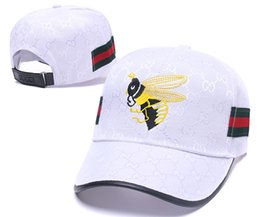 c90a38ef081 Popular G Ball Caps with Red Green Decor Strap Luxury Embroideried Bee  Leisure Hats Top Quality 6 Panel Fashion Baseball Cap Golf Visor Caps