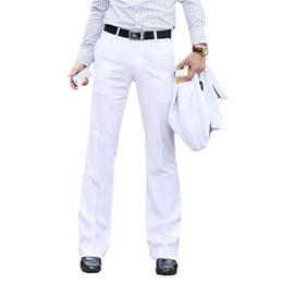 Pantalón blanco flare online-GXXH 2018 Pantalón acampanado de los nuevos hombres Pantalones formales Pantalón de campana Pantalones blancos de traje de baile Tamaño 28 29 30 31 32 33 34 36 37