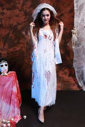 Canada Nouvel An De Luxe Plus Récent Femmes Sexy Blanc Bloodstain Rags Ghost Mariée Robe En Dentelle Exotique Halloween Zombies Devil Cosplay cheap exotic white dresses Offre