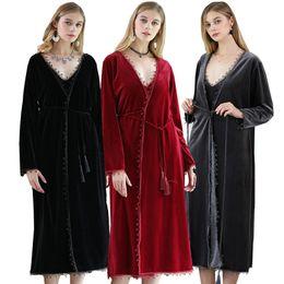 2019 roter samtkleid Hight Qualität Winter Warme Samt Bademantel 2017 Warme Bequem Lange Kimono Robe für Frauen Schwarz Rot Nachtwäsche Nachthemd Spa ... rabatt roter samtkleid