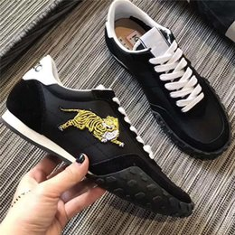 Wholesale Tiger Embroidery Fabric - 2018 New Fashion Man Woman Tiger Shoes Lace Up Embroidery Running Sneakers Luxury Brand Sport Shoes Unisex Creepers High Quality