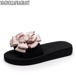 Wholesale Wholesale Quality Flip Flops - Flowers Woman Beach Flip Flops Summer Sandals Slip- Resistant women slippers Platform Sandals High-quality summer women shoes k6