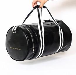 Wholesale mens travel black bag - mens messenger duffel bag men travel bags leather casual men handbag outdoor vintage men shoulder bag fred Style
