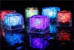1500 pcs LED Cubos De Gelo Sensor De Água Espumante Luminosa Multi Cor Brilhante Doca Deco Partido Luminosa Led Cubos De Gelo Decoração Do Casamento de