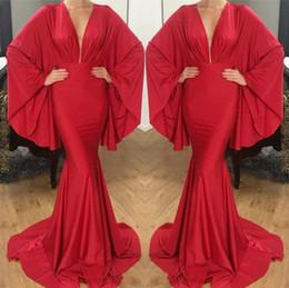 2019 dubai neues design gold Neu Entworfene Arabische Dubai Style Red Abendkleider 2019 Tiefer V-ausschnitt Mit Langen Ärmeln Frauen Anlass Party Promi-kleider BA9944 rabatt dubai neues design gold