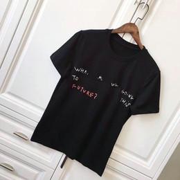 2019 homens de camisa de moda asiática t 2018 primavera Novos Homens de Marcas de Moda de Manga Curta T Camisa grafite Alfabética impressão T-shirt Dos Homens de Esportes Camisetas T-Shirt Tamanho Asiático homens de camisa de moda asiática t barato