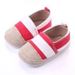 2019 reine spitze hart Kleinkind Baby Mädchen Junge Schuhe Leinwand gestreift Säuglingsschuhe 0-12M weiche Sohle Anti-Rutsch-Designer neugeborenes Baby Mokassins F29