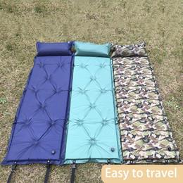 2019 aufblasbare strandkissen Seif-Aufblasbares kampierendes Picknick im Freien automatische aufblasbare Schlafmatte-Matratzen-feuchtigkeitsfeste Strand-Matte mit Kissen günstig aufblasbare strandkissen