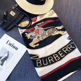 sciarpa a righe bianche blu Sconti Sciarpe di lusso più recenti Scialli di marca Famoso designer Modello di lettera Sciarpe da regalo per donna Alta qualtiy 100% seta Avvolge lunghi Dimensioni 180x90 cm RT777
