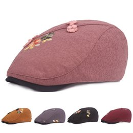 758654e7655 Women Classic Cotton Linen Newsboy Berets Visor Cap Autumn Adjustable  Snapback Hat Driving Flat Cabbie Peaked Cap Floral Decoration