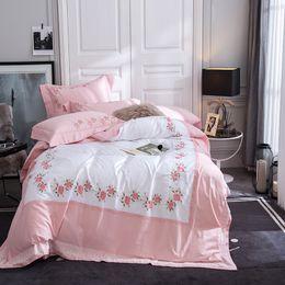 Argentina 80 S algodón egipcio hermosa rosa marco lujo bordado funda nórdica funda de almohada plana conjunto, 4 piezas juegos de cama rosa blanco cheap luxury pink rose bedding set Suministro