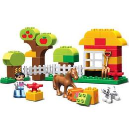 Wholesale large toy bricks - 45pcs Large Size Happy Animals Farm Building Blocks Sets Animal Model Bricks Toys Compatible With legoeINGlys Duplos Baseplate
