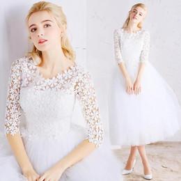 909c98b5d Vestido primavera nuevas damas del partido pequeñas mangas frescas populares  vestido de encaje blanco vestido de verano Vestidos de fiesta