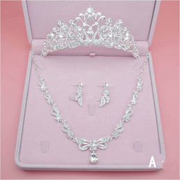 Wholesale cheap fast wedding dresses - Fashion Luxury Bridal Jewelry Rhinestone Pearl Necklace Crown Earrings Wedding Dresses Cheap Wedding Accessories Three Pieces Fast Shipping