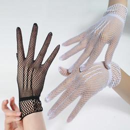 Guantes de fiesta rojo online-Señoras elásticos guantes de red negro rojo blanco 3 colores de longitud de la muñeca de la boda de la fiesta de baile guantes novias guantes