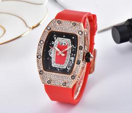Мужские женские часы онлайн-2018 новый роскошный досуг мода набор шнек спортивные часы мужские и женские досуг мода кварцевые watch1