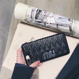 Canada Marque de luxe 3D Motif De Fleur En Cuir Couverture Arrière Étui Étui 3D Vague Texture Téléphone Coque Simple Style pour iPhone X 6s 7 Plus Offre