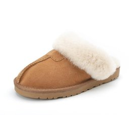 Шлепанцы марки сальто онлайн-Hot Sale  Winter Plush Leather Furry Flip Flops House Fuzzy Fur Soft Bedroom Ladies Slippers Women  zwt shoes