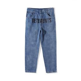 2019 jumpsucks punk Migliore versione Vetements donna uomo jeans pantaloni tuta urbano hip hop punk moto blu distressed Vetements jeans strappati VTM1 jumpsucks punk economici