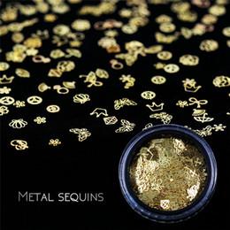 2019 patch di fiori d'oro GUJHUI Nail nail patch patch svuotato in metallo computer film mescolato con circa 400 pezzi decorazione oro piccolo fiore patch di fiori d'oro economici
