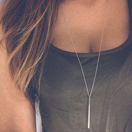Enlaces de tira online-Sencillo clásico de moda Stick Collar colgante Hollow Girl Enlace Largo Cadena Cuadrada Collares de Cobre joyería de tira larga para las mujeres