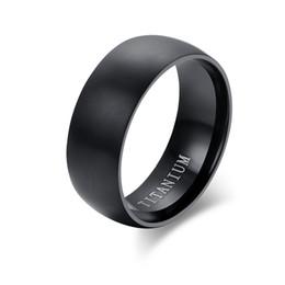 Anello classico da uomo in titanio nero Anello da cerimonia nuziale semplice con top in ottone lucido opaco Finito Dimensioni 6-14 da