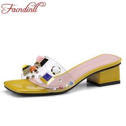 2019 pantofole semplici sandali donna nuova moda estate pantofola sandali tacchi medio semplice open toe scarpe da donna causale data sandali gladiatore pantofole semplici economici