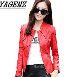717b6bf3021 Большой размер 4XL женщины PU кожаная куртка короткие верхняя одежда весна  осень тонкий стенд воротник искусственной кожи куртка мотоцикл прохладный  пальто