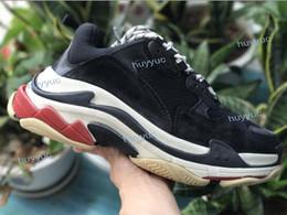 76b3419e93140 Nuovo 2018 Triple S Scarpe Uomo Donna Sneaker Colori misti di alta qualità  Tacco spesso Nonno Papà Trainer Triple-S Scarpe casual con scarpe ascensore  in ...