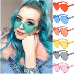 Wholesale colour heart - DHL HOT SALE Heart Sunglasses for Ladies 2018 Hot Fashion Integrated UV Candy Eight Colour Steampunk Goggles Alloy+Resin Small Sunglasses