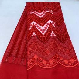2019 tela bordada de terciopelo rojo TS1070 (5 yardas / pc) Tela de encaje de red francesa de terciopelo africano con delicados bordados de lentejuelas para un vestido de fiesta de alta calidad rebajas tela bordada de terciopelo rojo