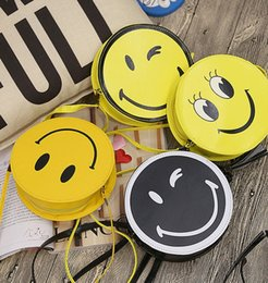 sacs floraux jaunes Promotion Lovely Cartoon Emoji Sacs à bandoulière En cuir jaune ronde Messenge Casual Mini sac à bandoulière Enfants Accessoires de sac à main portable