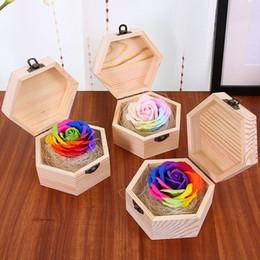 2019 boîtes à savon rose Simulation Soap Flower Avec Hexagonal Boîte En Bois Bouquet Coloré Fabriqué À La Main Rose Fleur Savons Pour Valentine Day Gift 10 5cd B boîtes à savon rose pas cher