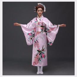 2019 traje de kimono rosa Pink Traditional Women Satén de seda Kimono Yukata con Obi Performance Dance Dress Traje de Cosplay japonés Flower One Size traje de kimono rosa baratos